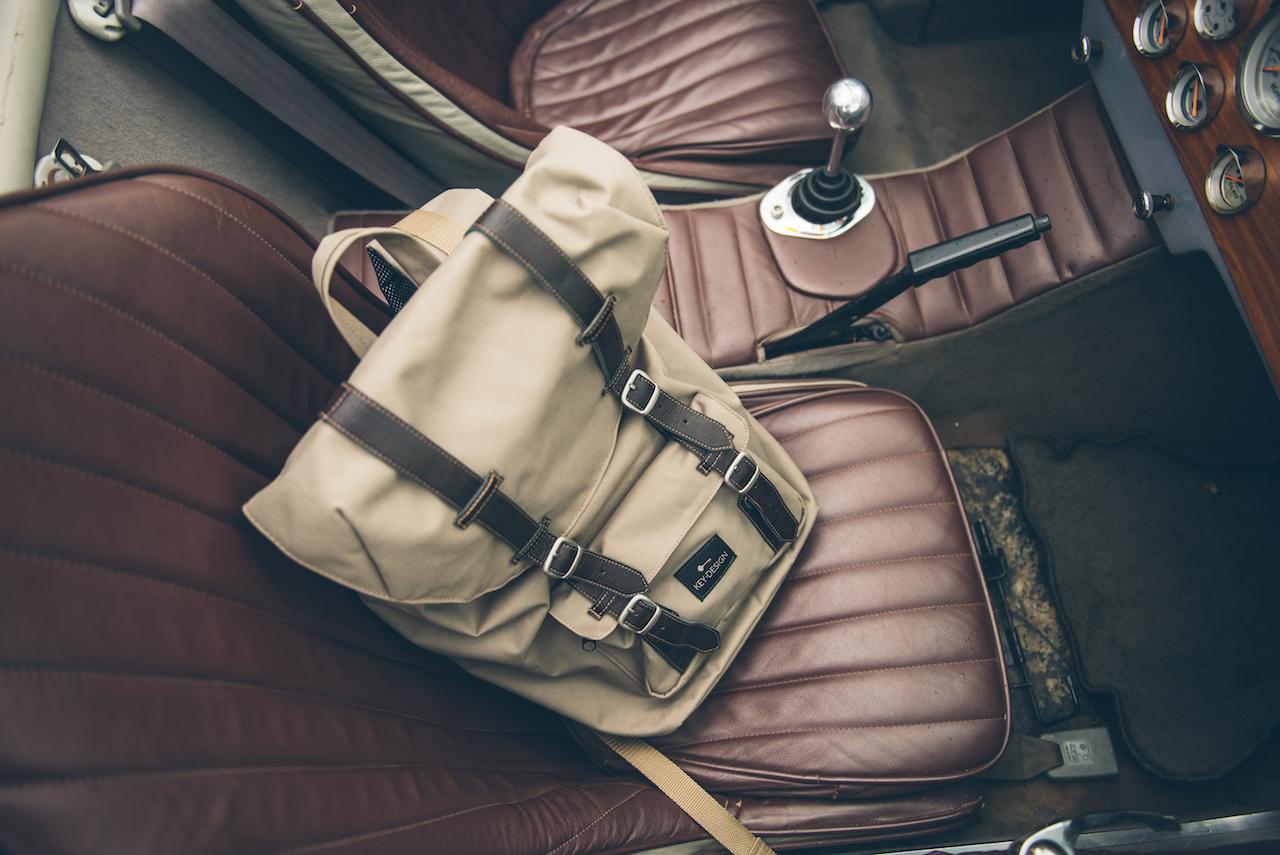 mochila no carro