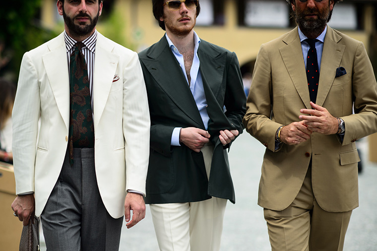homens usando terno