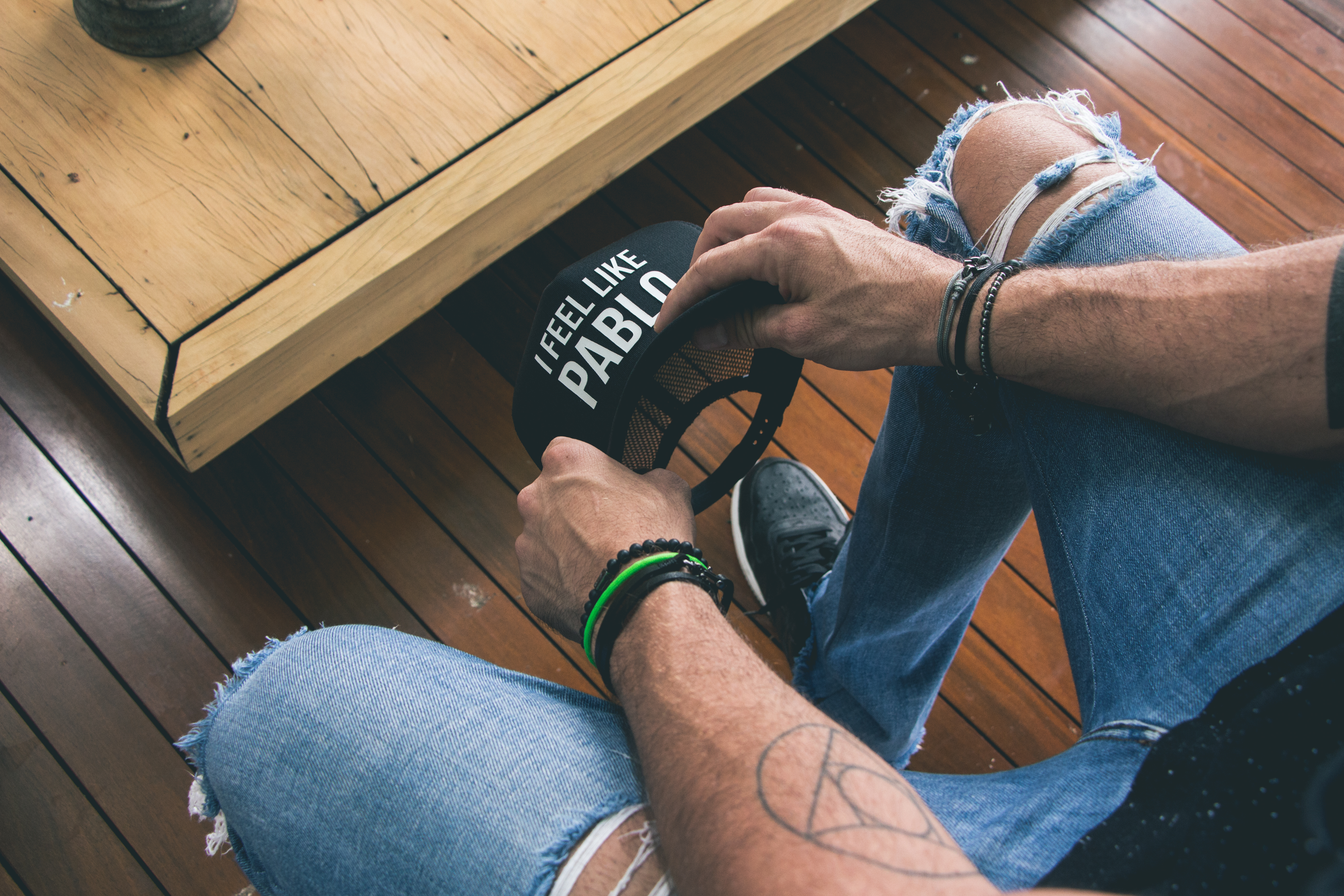 402a2e08094ef Veja os tipos de bonés masculinos que mais combinam com você