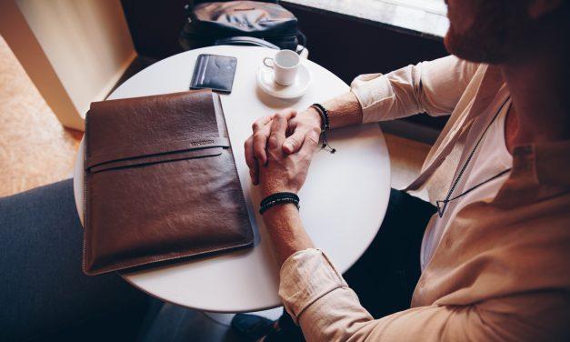 Roupa para entrevista de emprego: o que devo vestir?